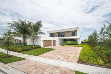 Home for Sale at 16593 S Botaniko Dr S, Weston FL 33326