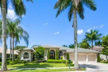 Home for Rent at 2513 Eagle Run Dr, Weston FL 33327