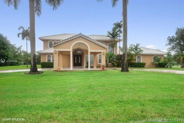 Home for Sale at 1151 NW 122nd Ave, Plantation FL 33323