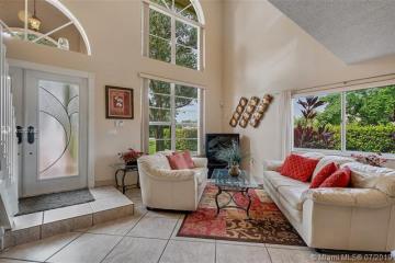 Home for Sale at 601 Turtle Run, Weston FL 33326