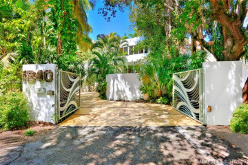 Home for Sale at 2800 & 1840 Chucunantah Rd, Coconut Grove FL 33133