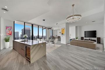 Home for Sale at 801 S Miami Avenue #LPH5602, Miami FL 33131