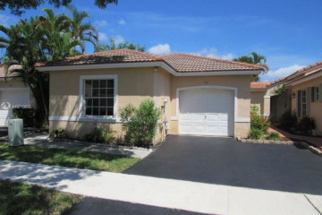 Home for Sale at 936 SW 180th Ter, Pembroke Pines FL 33029