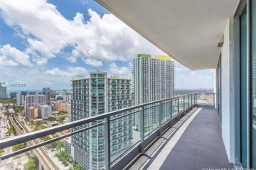 Home for Sale at 92 SW 3rd St #3504, Miami FL 33130