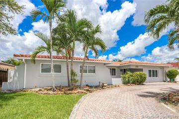 Home for Sale at 1732 SW 103rd Pl, Miami FL 33165