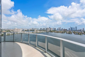 Home for Sale at 17111 Biscayne Blvd #2111, North Miami Beach FL 33160