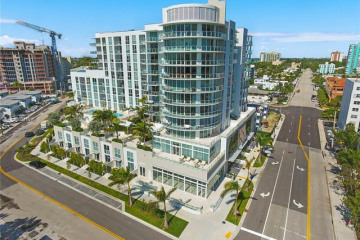 Home for Sale at 401 N Birch Rd #706, Fort Lauderdale FL 33304