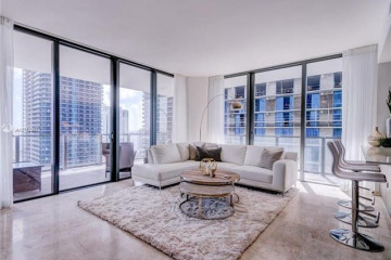 Home for Sale at 88 SW 7th St #2601, Miami FL 33130