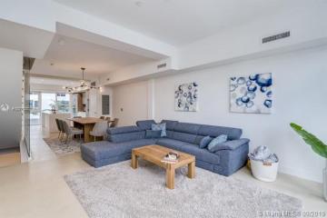 Home for Rent at 455 NE 39th St #309, Miami FL 33131