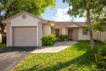 Home for Sale at 3864 NW 107th Way, Sunrise FL 33351