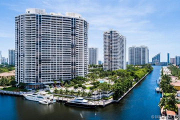 Home for Sale at 1000 Island Blvd #1605, Aventura FL 33160