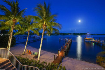 Home for Sale at 17571 SE Conch Bar Ave, Tequesta FL 33469