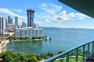 Home for Sale at 1900 N Bayshore Dr #1706, Miami FL 33132