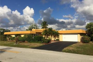 Home for Sale at 5112 Banyan Ln, Tamarac FL 33319