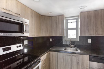 Home for Rent at 1674 Bay Rd #301, Miami Beach FL 33139