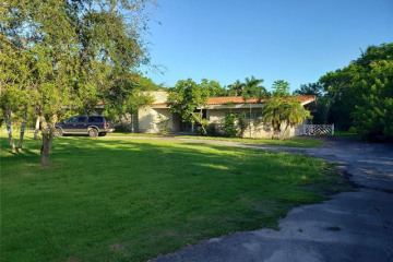 Home for Sale at 5400 SW 80th St, Miami FL 33143