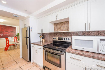 Home for Rent at 1881 Washington Ave #6H, Miami Beach FL 33139