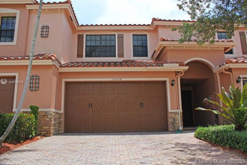 Home for Sale at 10884 NW 72nd Pl, Parkland FL 33076