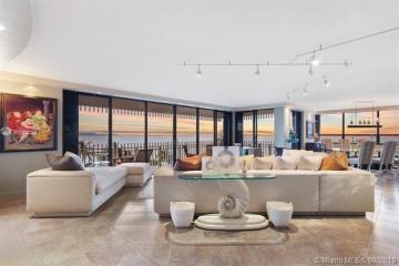 Home for Sale at 3 Grove Isle Dr #C601, Miami FL 33133