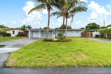 Home for Sale at 906 NE 24th Ave, Pompano Beach FL 33062