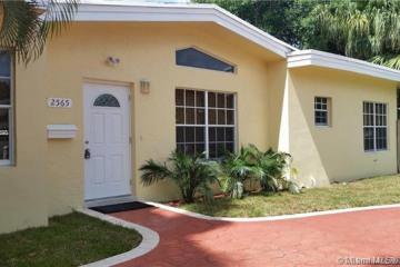 Home for Rent at 2565 NE 201st St, Miami FL 33180