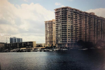 Home for Sale at 18021 Biscayne Blvd #1402, Aventura FL 33160