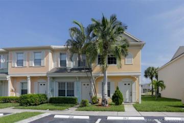 Home for Rent at 16761 Hemingway Dr, Weston FL 33326