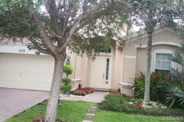 Home for Rent at 4339 W Whitewater Ave, Weston FL 33332