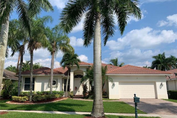 Home for Rent at 1715 Victoria Pointe Cr, Weston FL 33327