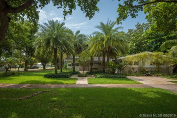 Home for Rent at 1000 S Alhambra Cir, Coral Gables FL 33146