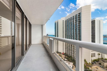 Home for Rent at 1717 N Bayshore Dr #A-2453, Miami FL 33132