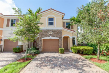 Home for Sale at 12432 Emerald Creek Ct, Plantation FL 33325