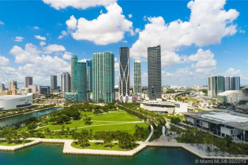 Home for Sale at 1000 Biscayne Blvd #3001, Miami FL 33132
