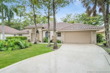 Home for Sale at 4872 NW 66th Ave, Lauderhill FL 33319