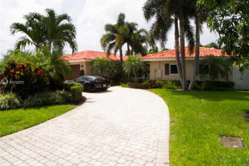 Home for Sale at 2652 NE 5th St, Pompano Beach FL 33062