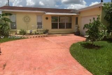 Home for Sale at 11531 NW 29th St, Sunrise FL 33323