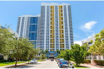 Home for Rent at 1330 West Ave #1401, Miami Beach FL 33139