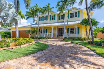 Home for Sale at 2411 NE 35th St, Lighthouse Point FL 33064