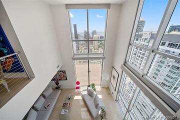 Home for Sale at 1060 Brickell Ave #4507, Miami FL 33131