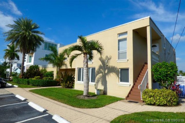 Home for Sale at 1717 N Riverside Dr, Pompano Beach FL 33062