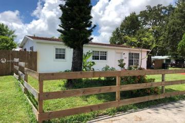 Home for Sale at 1240 NE 213th Ter, Miami FL 33179