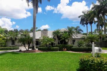 Home for Sale at 13815 SW 67th Pl, Palmetto Bay FL 33158