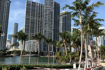 Home for Sale at 325 S Biscayne Blvd #1019, Miami FL 33131