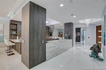 Home for Sale at 2711 S Ocean Dr #4003, Hollywood FL 33019