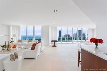 Home for Sale at 20155 NE 38th Ct #2501, Aventura FL 33180