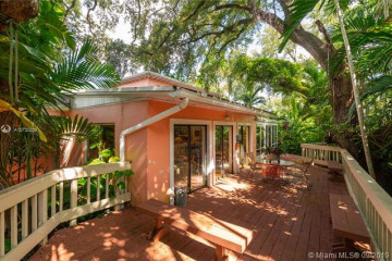 Home for Sale at 4141 Battersea Road, Coconut Grove FL 33133