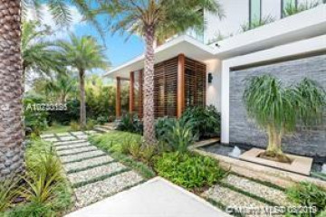 Home for Sale at 130 Island Dr, Key Biscayne FL 33149