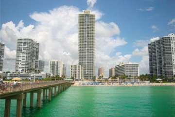 Home for Sale at 16699 Collins Ave #3903, Sunny Isles Beach FL 33160