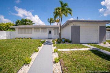 Home for Sale at 9440 Haitian Dr, Cutler Bay FL 33189