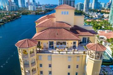 Home for Sale at 20165 NE 39th Pl #TS-1, Aventura FL 33180